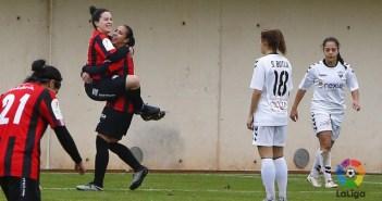 Sandra Bernal y Anita, jugadoras del Cajasol Sporting.
