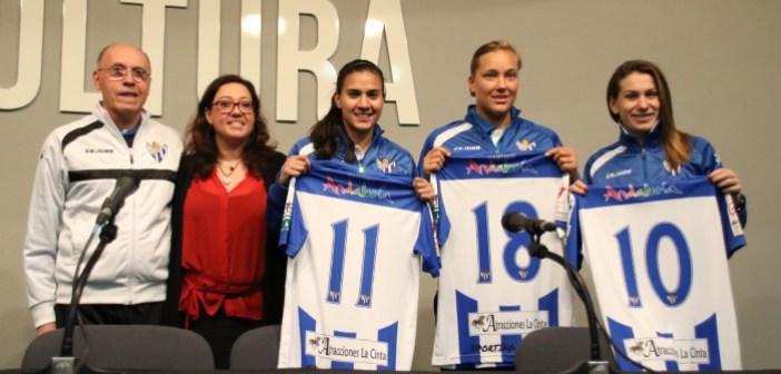 Rangel, Danielsson y Rus, nuevas jugadoras del Cajasol Sporting.
