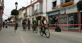 Trofeo Apertura de ciclismo en La Palma del Condado.