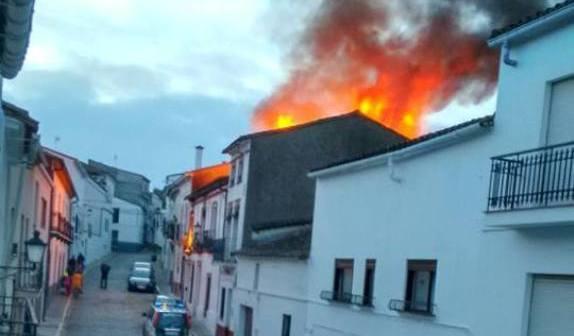 Incendio en Cortegana (2)