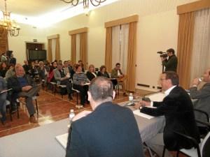 Presentacion presupuestos de la Diputacion de Huelva a los alcaldes (1)