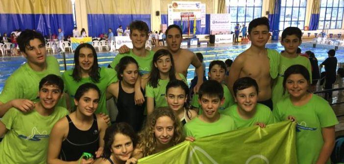 Nadadores del Club Natación Colombino.