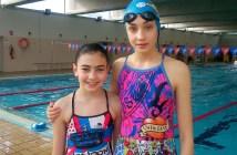 Jóvenes nadadoras hermanas Padilla.