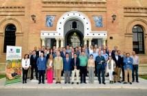170425. Directivos de Caja Rural del Sur y San Telmo junto a los integrantes del Curso de Gestores de Cooperativas