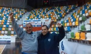Fernando Castelló, ex técnico del PAN Moguer, a la derecha.