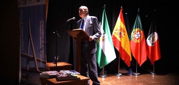 Conferencia sobre olimpismo en Ayamonte.