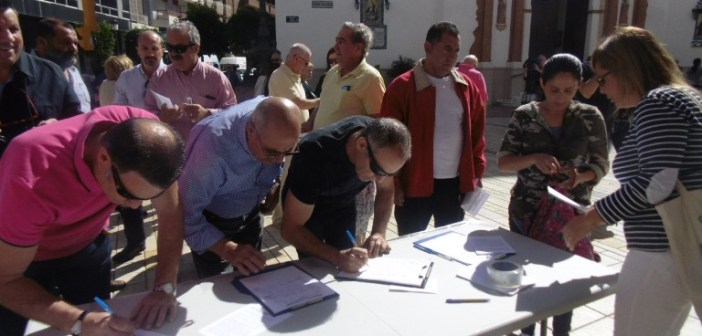 Mesa Firmas Colectivo de Pensionistas de Huelva 01