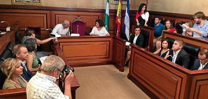 Salón de plenos antes de ser elegida la nueva alcaldesa en Bollullos.