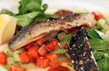 ensalada sardinas y fresas
