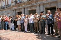 Aplausos tras los cinco minutos de silencio por los atentados en Barcelona