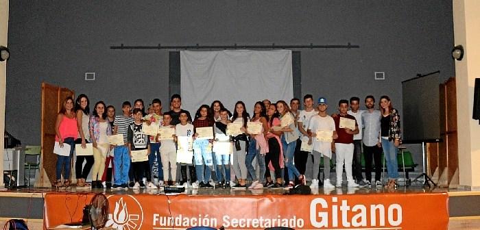 Encuentro familias y estudiantes gitanos (2)