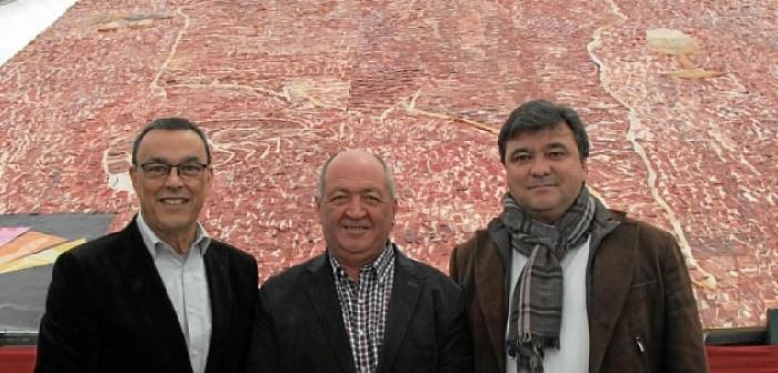 El presidente de la Diputación, alcalde de Cumbres Mayores y alcalde de Huelva.