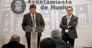 Alcalde y presidente de la Diputación en rueda de prensa (3)