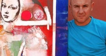 El artista moguereño Miguel Rodríguez con una de sus obras