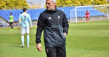César Negredo, técnico del Recreativo de Huelva. (Tenor)