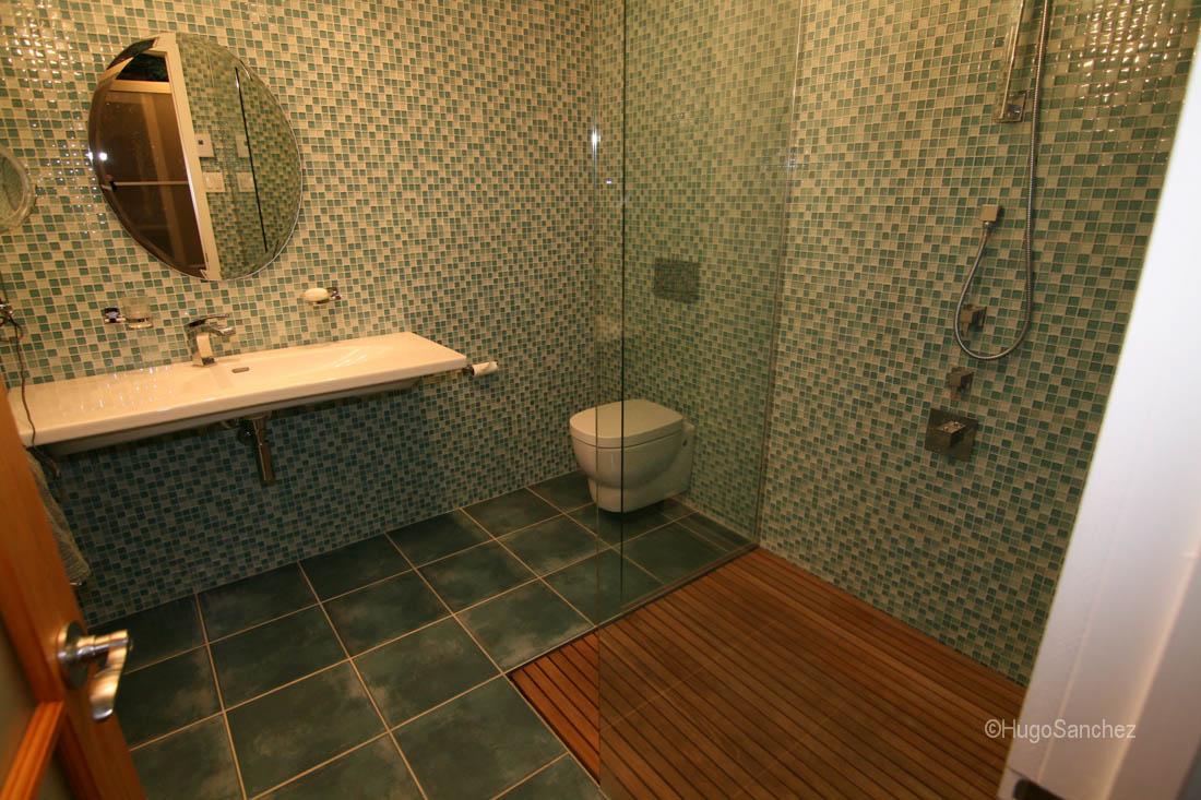 Houzz Bathroom Duckboard Shower - Céramiques Hugo Sanchez Inc
