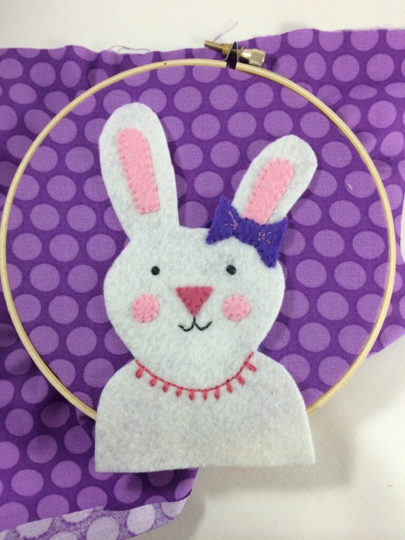 Free Felt Bunny Embroidery Hoop Pattern by Hugs are Fun