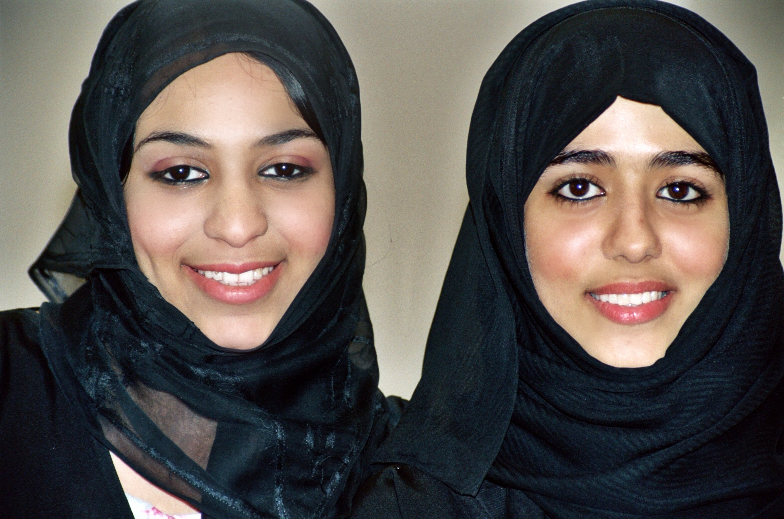 Indian Local Beautiful Girl Wallpaper The Emirati Stereotypes The Human Breed Blog