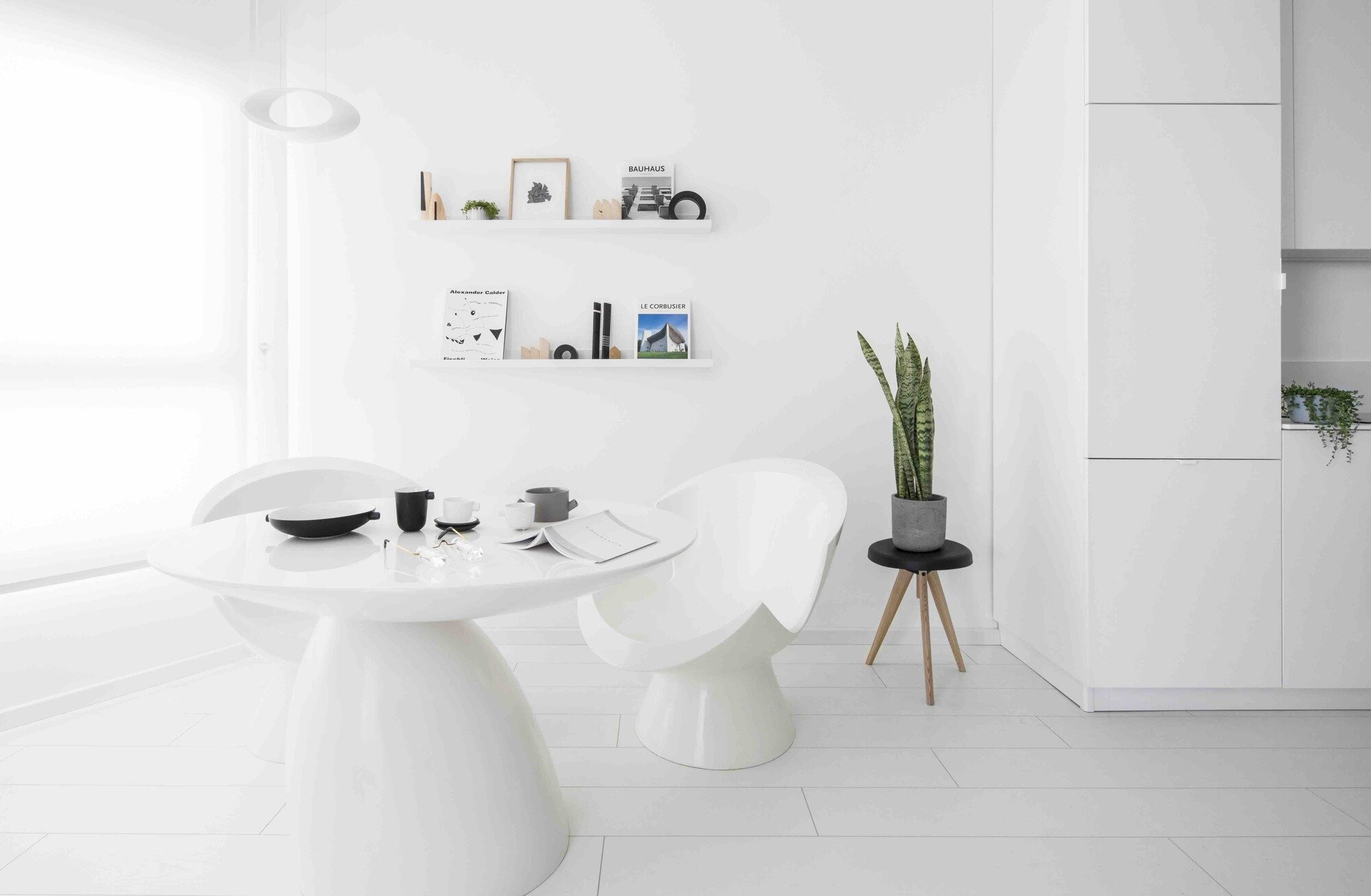 All White Apartment Yael Perry Creates A Minimalist All White Apartment In Tel