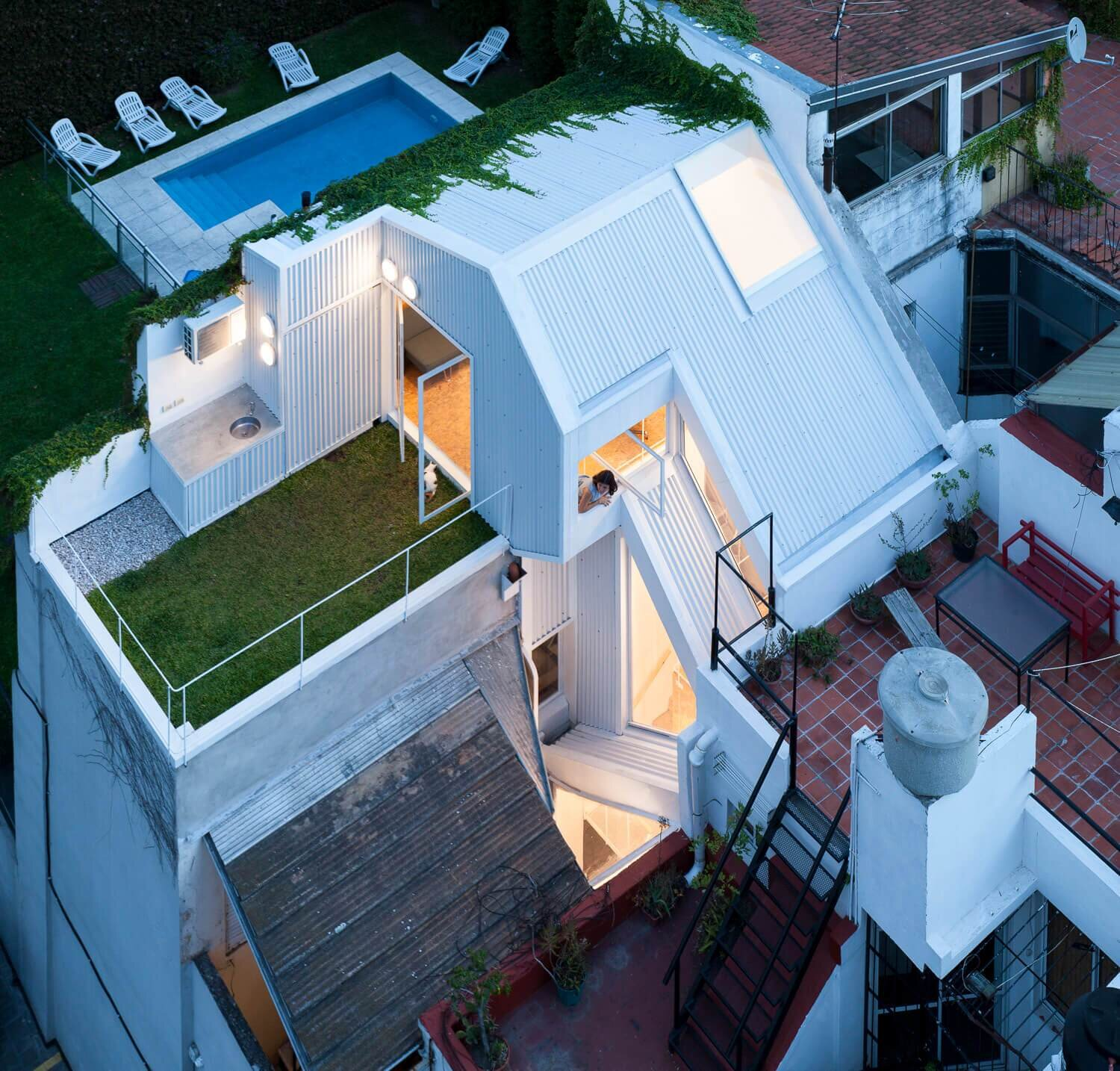 Designing A Small House Ph Lavalleja Makes The Most Of A Small Plot In Buenos Aires