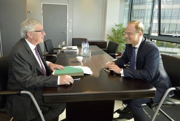 Jean-Claude Juncker and Tibor Navracsics discuss his future position in the Commission
