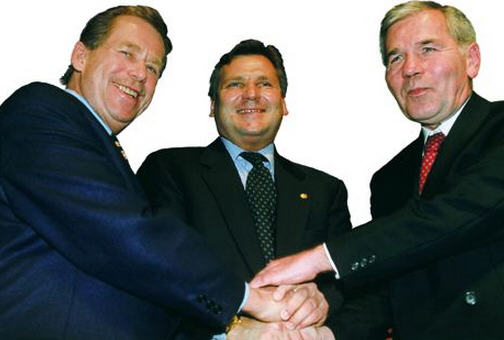 Václav Havel, Aleksander Kwaśniewski, and Gyula Horn in Madrid after the NATO invitation to join