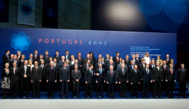 The official picture after the signing of the Treaty of Lisbon, 2007