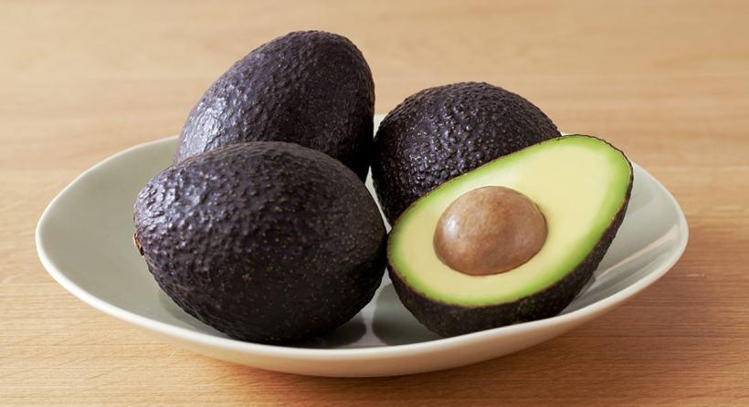 avocados-in-bowl-min