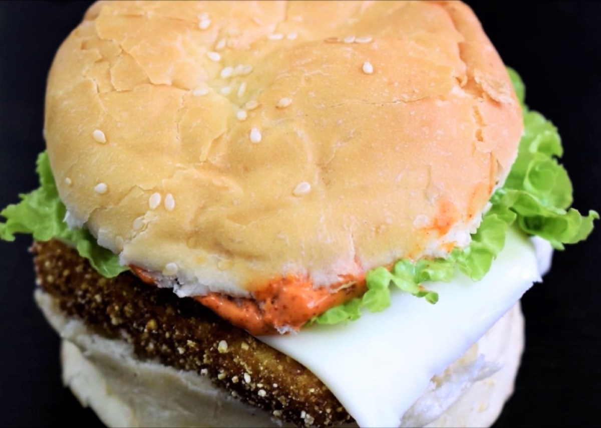 McDonald's McSpicy Paneer Burger ~ Yes! You Can Actually Make It At Your Home
