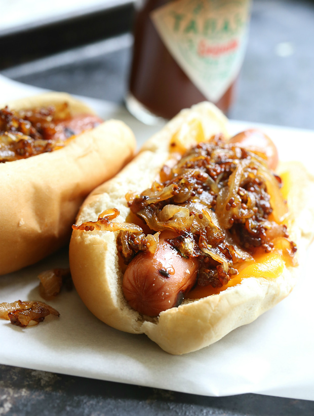 Chipotle Caramelized Onions Hot Dogs   |   @hungryfoodlove