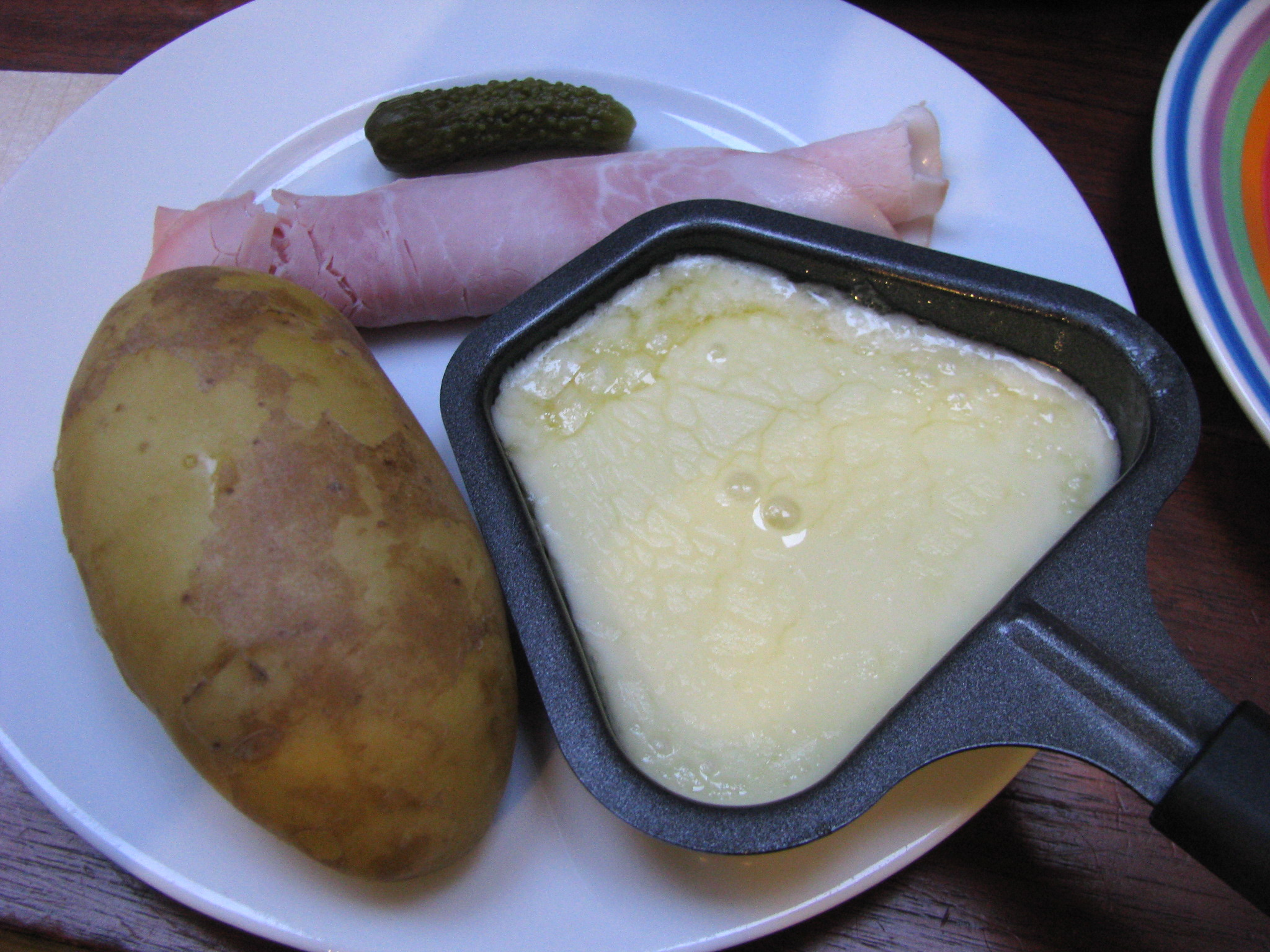 Raclette Gusseisenplatte Grillrost Mit Schwenkarm Raclette At Home