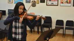 Anna Gong '18 pursues her passion for violin