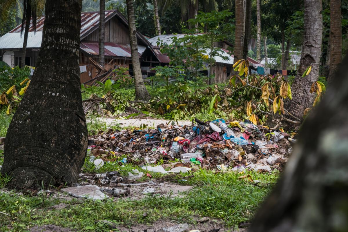 Skládky odpadu hneď za dohladom turistov