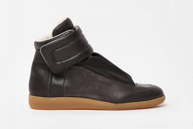 Image of Maison Martin Margiela 2011 Fall/Winter Sci-Fi Sneaker