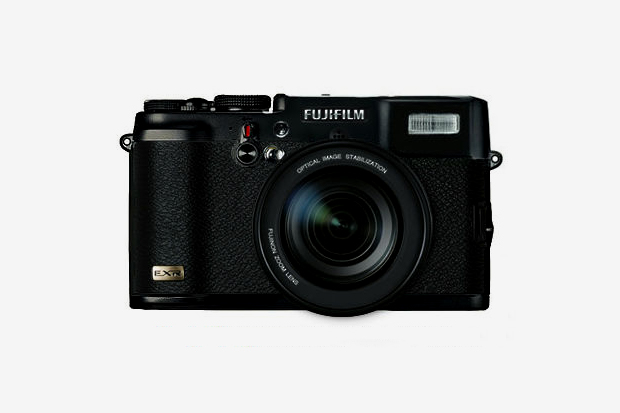 Image of FUJIFILM X10 Revealed?