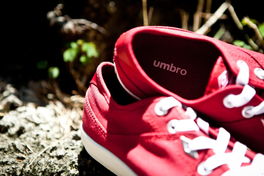 Image of Umbro Red Milton Canvas