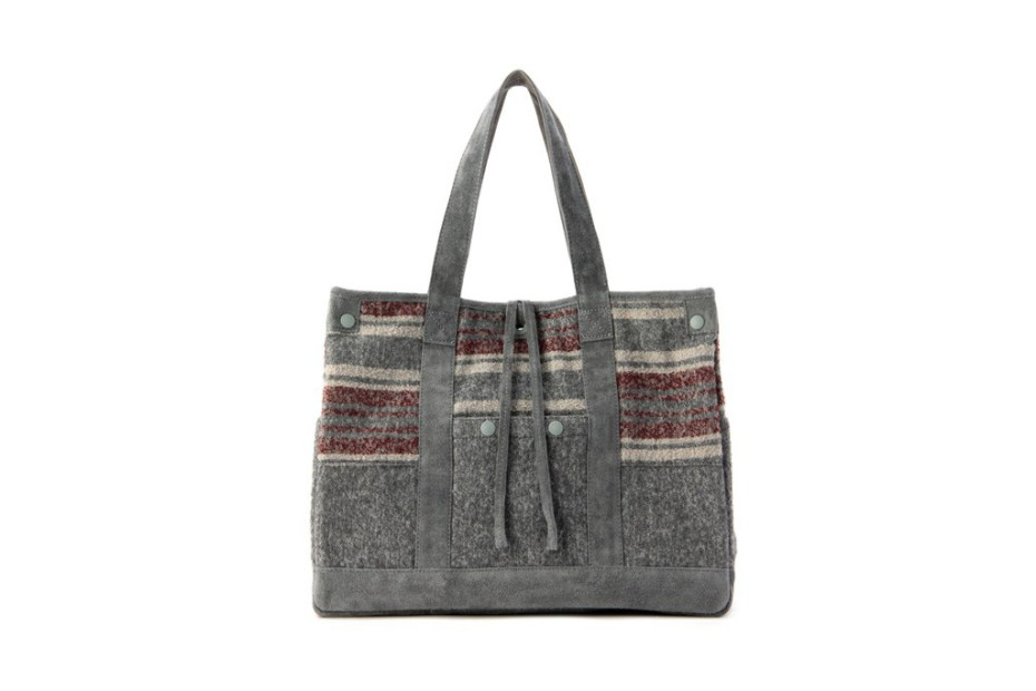 Image of White Mountaineering x Porter RING YARN BLANKET BORDER TOTE BAG