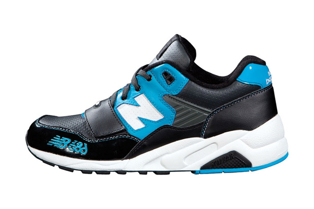 Image of 686 x New Balance MT580
