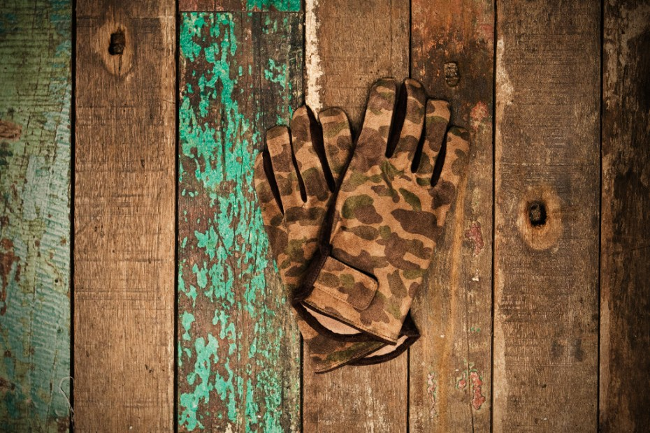 Image of A Bathing Ape 1ST CAMO LEATHER GLOVE