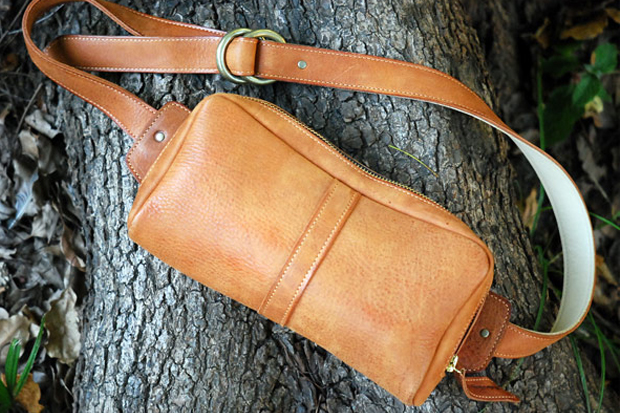 Image of Roberu Ground Shoulder Pouch