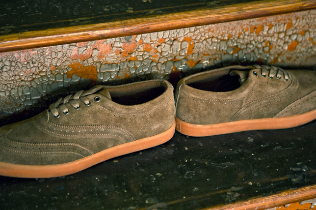 "Image of Generic Surplus 2011 Fall ""The Wingtip"""