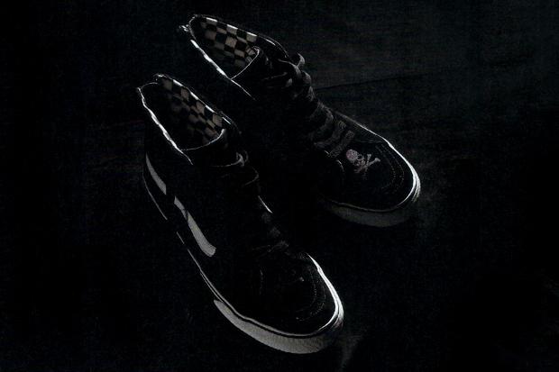 Image of mastermind JAPAN x Vans Sk8-Hi Preview