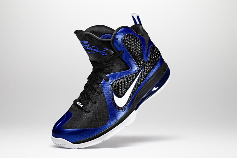 "Image of Nike LeBron 9 ""Kentucky"""