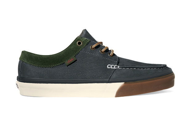 Image of Vans California 2011 Holiday 106 Moc