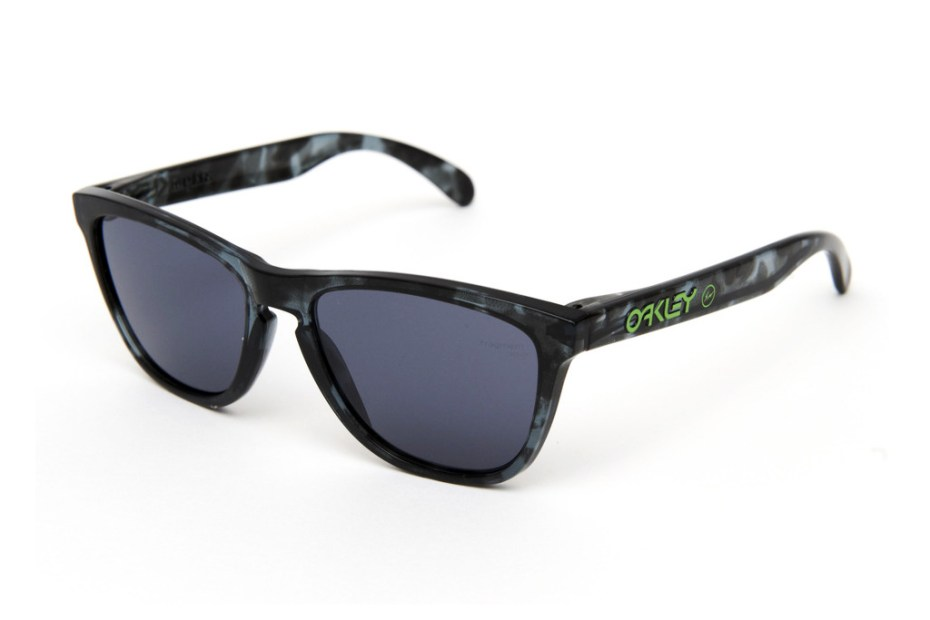 Image of fragment design x Oakley Frogskins