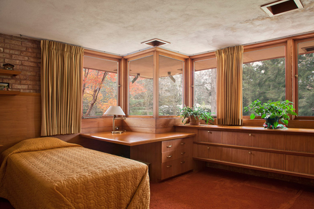 "Image of Frank Lloyd Wright ""Kenneth Laurent"" House"