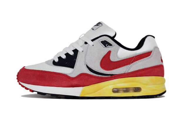 Image of Nike Air Max Light VNTG QS