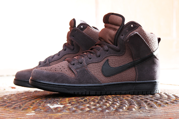 "Image of Nike SB Dunk High ""Dark Oak"""