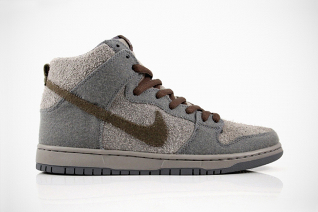 Image of Nike SB Dunk High Premium Tauntauns