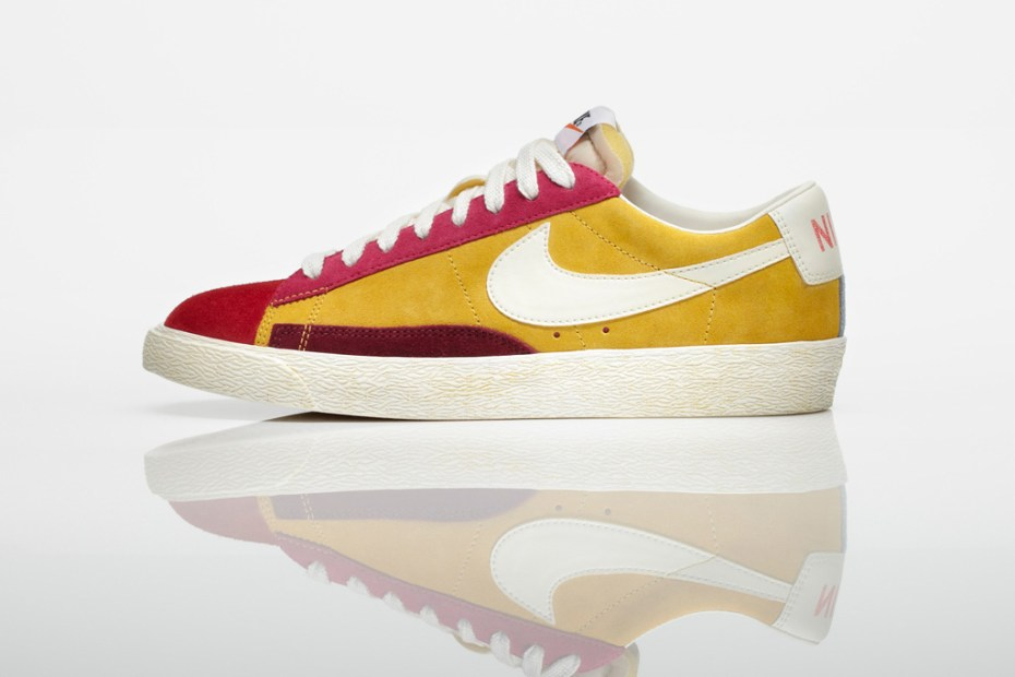 Image of Nike Sportswear 2011 Holiday Blazer Vintage Low